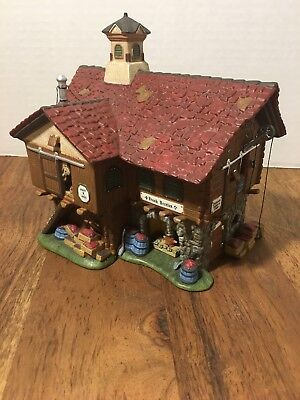 New New England Village Series The Cranberry House #56627 Village Piece