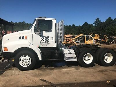 1998 Ford Louisville Tandem Axle Day Cab Truck/Tractor