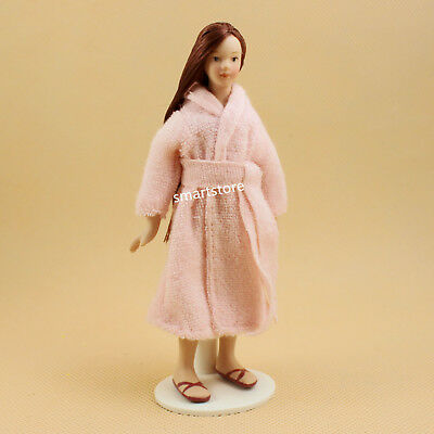 Hot 1:12 Dollhouse Miniature Porcelain Doll Modern Young Lady In Pink Pajamas