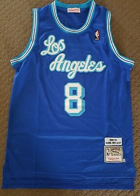 Kobe Bryant 1996-97 NBA L.A. Lakers Mitchell & Ness Jersey s-med