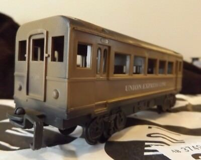 Toy railway coach - great for O-16.5 narrow gauge coaches !!  ref On30 23