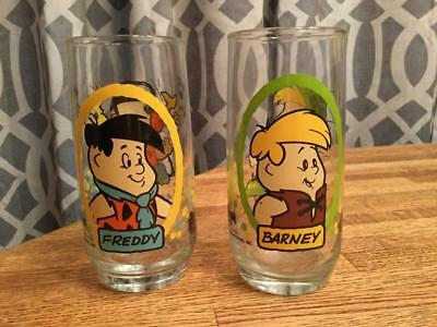 """2 """"Flintstone Kids"""" Collectible Glasses Pizza Hut 1986 Fred and Barney"""
