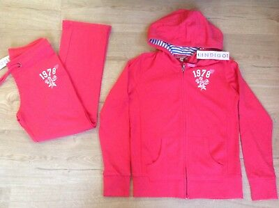 girls m & s tracksuit age 9-10 brand new fab!