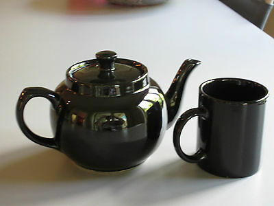 Vintage : Set of Glossy Black Teapot 32on. + one 8on. Cup