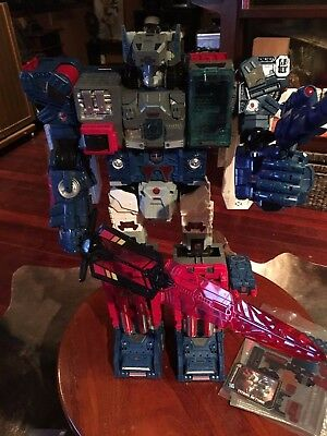 Hasbro Fortress Maximus With Sword and Rifle Titans Return Transformers