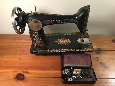 **working Vintage Singer Sewing Machine