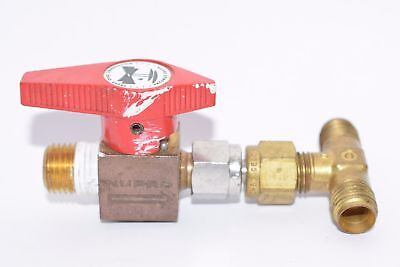 Nupro / Swagelok B-4P4T1, 1/4'' Plug Valve, Brass With Fittings