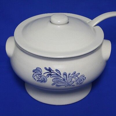 Pfaltzgraff YORKTOWNE Soup Tureen with Ladle 7-160 USA