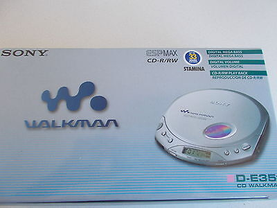 SONY CD WALKMAN. SILVER .  CD-R/RW .  With Box....