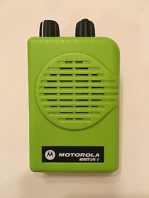 MOTOROLA MINITOR V 5 LOW BAND PAGERS 45-49 MHz SV 2-CHANNEL APEX GREEN + CHARGER