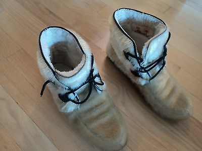 Vintage Arctic Inuit Style Boots Ladies  Size 10 Free Shipping