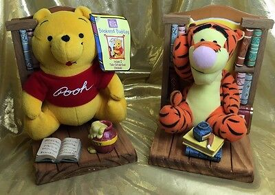 Winnie The Pooh & Tigger Bookends Buddies Plush Figures Removable Books
