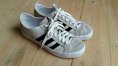 ADIDAS Womens Sneakers Shoes Beige/White Size 8, Eur 40