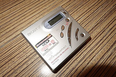 Sony Walkman MZ R500 Minidisc Player  Recorder (070 ) AA Batteriefach