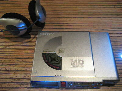 Sony MD MZ R37 Recorder / Player Power Minidisc  MD Walkman  2 x AA Batt