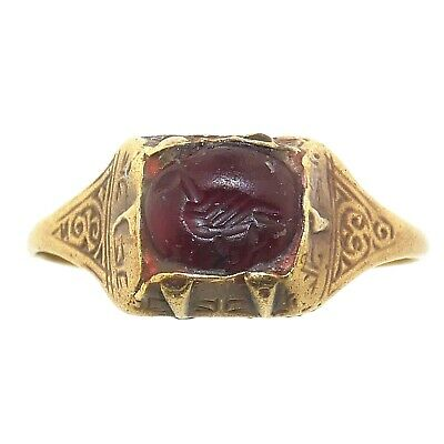 (1697) Antique ring setting a carnelian seal