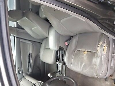 2005 Toyota Camry LE Toyota Camry 2005 LE - leather, upgraded stereo, Bluetooth, clean, single owner