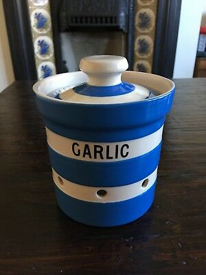T.G Green & Co Cornishware Garlic Keeper