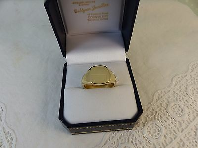 New 9ct Gold Gents Square Plain Signet Ring, size 'T' 8.4 grams