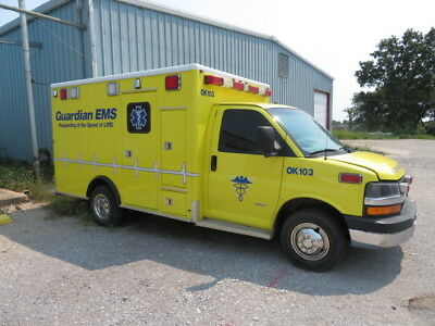 2008 Ambulance Chevy Express 3500 Turbo Diesel 6.6 - Yellow