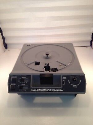 Kodak Ektagraphic III ATS Slide Projector With Remote, Extra Bulbs, and Case