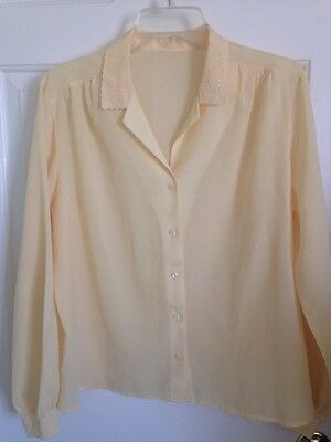 Yellow Blouse Shirt Small Medium Vintage Pre-owned Collar Butterfly Button Up