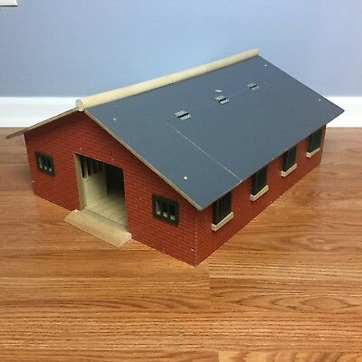 BREYER DELUXE HORSE STABLE HOUSE Wood Barn Farm Pony Stablemates Playset VGUC