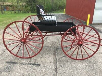 ANTIQUE HORSE DRAWN DOCTORS BUGGY - 1890s