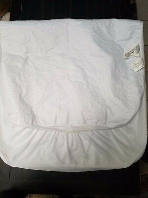"""Babies """"R"""" Us Fitted Waterproof Crib Mattress Pad/Cover"""