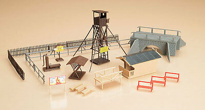 AUHAGEN HO scale - LOOKOUT TOWER plus ACCESSORIES - plastic model kitset #