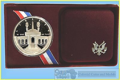 USA. Silver Proof Dollar Los Angeles 1984  Olympic.....