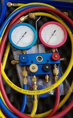 4 Way Co2 guage manifold with hoses and case
