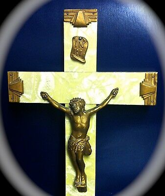 Art Deco 1930's-50's Faux Mother Of Pearl Bakelite Wood Christ Corpus Crucifix