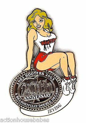 HOOTERS RESTAURANT 20th ANNIVERSARY GIRL IRVING LAPEL BADGE PIN