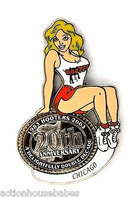 HOOTERS RESTAURANT 20th ANNIVERSARY GIRL CHICAGO LAPEL BADGE PIN