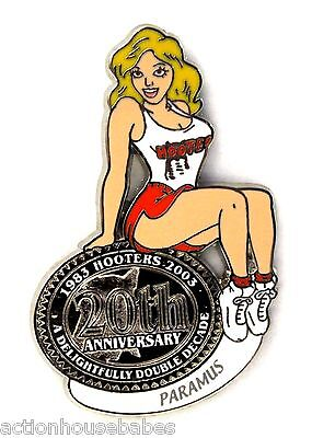 HOOTERS RESTAURANT 20th ANNIVERSARY GIRL PARAMUS LAPEL BADGE PIN