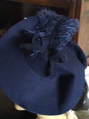 Vintage 1940s/WWII/ Land Girl Style ladies Tilt Hat in Navy with Feather