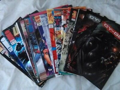 Mixed Lot of 24 Comic Books Used