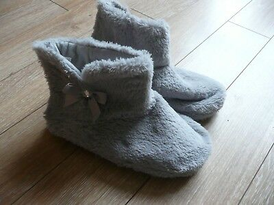 Womens Slippers - Grey - Size 5/6