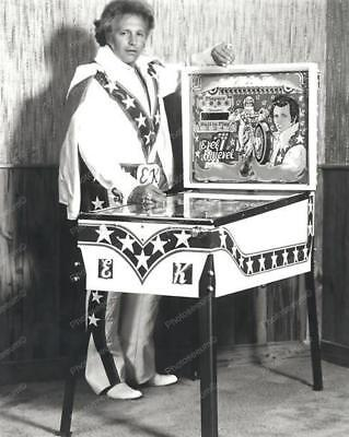 "Evel Knievel & Home Ed Pinball Machine 8"" - 10"" B&W Photo Reprint"