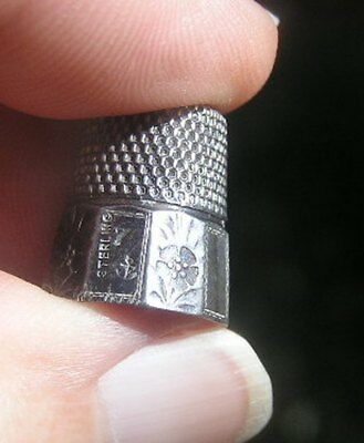 STERN BROS. Sterling Silver 10 Panel Faceted Thimble DAISY Flower Sz 7 3.7 Grams