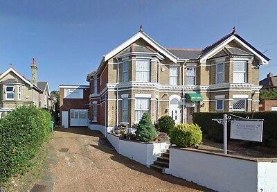 Holiday / Short Break / Accommodation - 2 People Isle of Wight - 7 nights only.