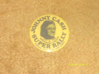 "Johnny Cash button SUPER RALLY... (VINTAGE, from the '70's) 2 1/2"" diameter VG+"