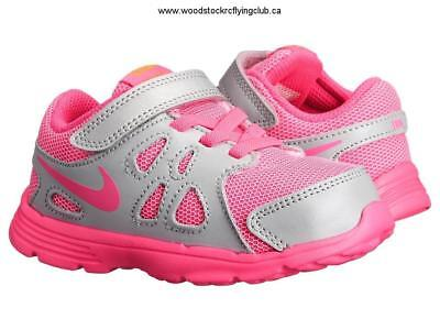baby girls nike revolution trainers size 5 5 infant • £4