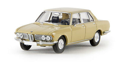 BMW 2500 - FULLY ASSEMBLED HO SCALE by BREKINA # 13601