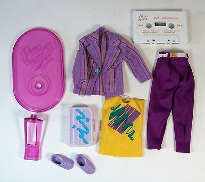 Vintage 1987 Jem Doll & The Holorgams  Rio Pacheco Clothes And Accessories