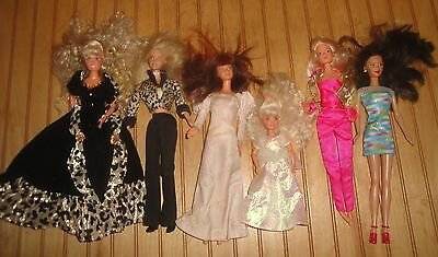 Lot of Barbie Kelly and Related Dolls, Dresses Clothing etc.