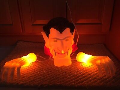 Cool vintage light up Halloween Decoration Vampire Dracula Head and Hands Works