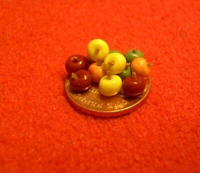 1/24th Scale Dolls House Miniature 12 x Mixed Apples