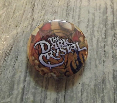 the DARK CRYSTAL 25mm PIN BUTTON BADGE jim Henson Sci Fi 80s 1980s puppetts cult